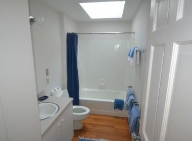4BR+G Bathroom